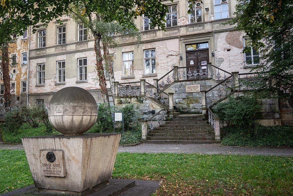 Alte Universität und Abbe Denkmal